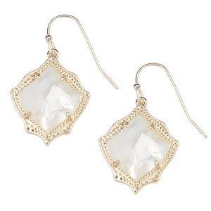 KENDRA SCOTT • Gold Kyrie Ivory Pearl Earrings